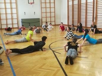 Eine gemeinsame Yoga Übung